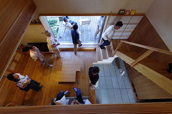 築6年の杉の家。経年により、魅力が増してきた木の家。